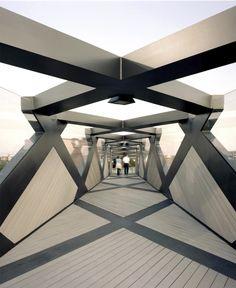 Weave Bridge Philadelphia Architect: Cecil Balmond/Amman and Whitney Structural Engineer: Arup Advanced Geometry Unit photo: Albert Yee