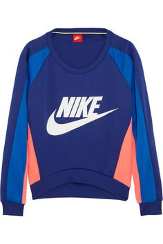 Shop Après wear at NET-A-SPORTER for closet essentials that will ensure you look stylish before, during and after your workout or hitting the slopes. Nike Retro, Nike Sweatshirts, Hoodies, Nike Outfits, Nike Clothes Mens, Nike Boots, Vintage Sportswear, Nike Joggers, Vintage Nike