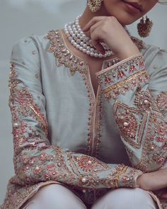 Pakistani Dress Design, Pakistani Dresses, Designer Wear, Designer Dresses, Embroidery Suits Punjabi, Neck Designs For Suits, Summer Suits, Indian Couture, Simple Outfits
