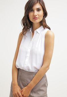 que es un personal shopper - blusa sin mangas