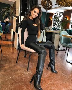 ❤Lederlady❤ - Girls in Leder Latex Wetlook - Thigh High Boots Heels, Stiletto Boots, Hot High Heels, Heeled Boots, Womens Thigh High Boots, Sexy Outfits, Simple Outfits, Sexy Boots, Black Boots