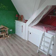 Bed onder schuine kant Deege-Timmerwerken