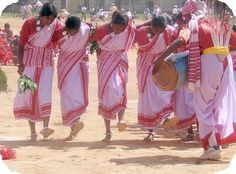 famous dancers in history | The many tribal communities of Jharkhand celebrate various festivals ...