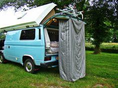 Outside shower vw Diy Interior, Interior And Exterior, Transporter T3, Vw T3 Syncro, Campervan Interior, Camper Conversion, Camper Van, Van Life, Volkswagen
