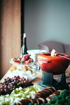smoked gouda fondue + a fondue party!