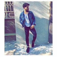✨ριηтєяєѕт:- ̗̀♡ ̖́❤ROMAA QUEEN👑FOLLOW ME👏👍 Stylish Mens Fashion, Stylish Menswear, Fb Profile, Fashion Shoot, Fashion Ideas, Men's Fashion, Photography Poses For Men, Boys Dpz, Posing Guide