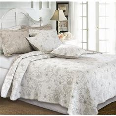 Grandmas quilt set 2.0 Who knew quilts could look this fabulous?                       www.selectbedbath.ca