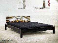 Eagle futonsängram. Eagle bed frame.