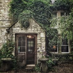 13th century house in the outskirts of Bath.  photo by belleannee.