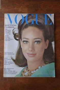 Vintage Vogue Magazine October 15 1965 Marisa Berenson Shrimpton Penn