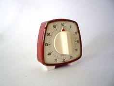 Vintage Kitchen Timer Egg Timer, Kitchen Timers, Good Old Times, Baking Tins, Egg Cups, Mixing Bowls, Cooking Timer, Vintage Kitchen, Cravings