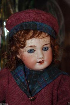 Rare et belle poupée BLEUETTE  sfbj 301 taille 1