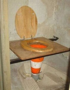 Worst Plumber Of The Year, funny fixes, funny plumbing fixes, Portable Toilet For Camping, Camping Toilet, American Funny Videos, Funny Dog Videos, Baby Images, Funny Cartoons, Funny Photos, Funny Images, Inventions