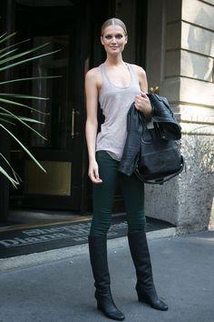 Toni Garrn Street Style: Simple Wedge Boots