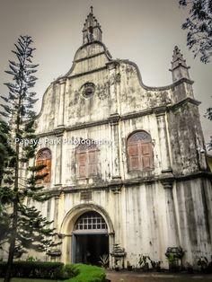 St. Francis Church, the oldest European church in India, where Vasco da Gama was buried in 1524. Fort Kochi (Fort Cochin), India.