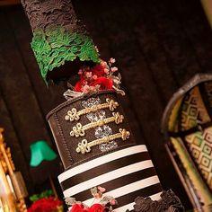 #Repost @ilknurdesign (@get_repost) ・・・ #Zeynep Sare#@dolcegabbana#konsept #en güzel pastaların mimarı ,çok büyük yetenek ve çalışmaktan büyük zevk aldığım (leb demeden leblebiyi anlayan)her hayalimi gerçekleştiren sevgili#@kekcouture#ellerinize sağlık#birthday #birthdaycake#doğumgünü #cakes#pasta#hastaneodasisusleme #hastanesüsleme #nişan#engagement #söz#interior #interiordesign #dekor#dekorasyon #decoration #bebekfotografcisi #babyphotography #bebekodasi #home#aksesuar #gümüş#si...