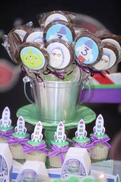 #Buzz #Lightyear #BuzzLightyear #toystory #espaço #space #kids #chalkboard #criancas #ideias #ispiration #inspiracoes #diy  #party #festas #acervo