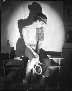 Sebastian Droste, https://strangeflowers.wordpress.com/2012/03/23/dress-down-friday-sebastian-droste/