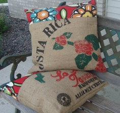 burlap + pretty floral fabric + stuffing = outdoor pillow