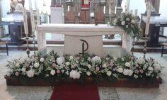 Flor variada. O Xardín Arte Floral Wedding Altar Decorations, Wedding Altars, Wedding Themes, Flower Decorations, Wedding Colors, Church Flower Arrangements, Floral Arrangements, Alter Flowers, Church Wedding Flowers