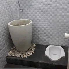 Toilet And Bathroom Design, Modern Bathroom Tile, Natural Bathroom, Toilet Design, Bathroom Interior Design, Small Bathroom Ideas On A Budget, Small Basement Bathroom, Laundry In Bathroom, Pinterest Room Decor