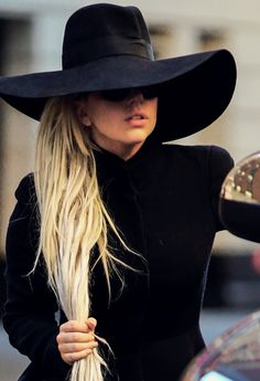 fab; love Lady Gaga Artpop, Blond, The Fame Monster, Lady Gaga Pictures, Mother Images, Italian Girls, Dreads, Actors & Actresses, Youtubers