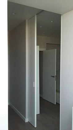 Porta scorrevole esterno muro: Spazio | Porte a battente in rovere ...