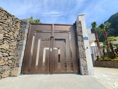 제주도 - 연수원 대문 : 네이버 블로그 Door Gate Design, Garage Doors, Steel, Outdoor Decor, Home Decor, Interior Design, Home Interior Design, Home Decoration, Decoration Home