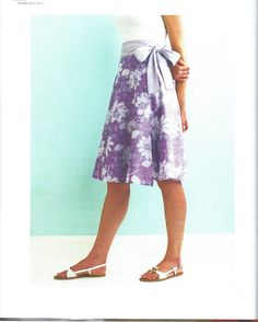 I made a couple of  skirts almost Exactly like this when I went off to college !!!! ( a few years ago )  Martha Stewart Wrap Skirt Pattern (only a picture...original source?) :(