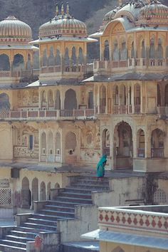 Climbing the steps of Monkey Temple # Galwar Bagh-Monkey temple in Jaipur, India. This an example of an Ancient Hindu Temple Complex Courtyard. Architecture Antique, India Architecture, Architecture Design, Building Architecture, Historical Architecture, Amazing Architecture, Varanasi, Places Around The World, Around The Worlds