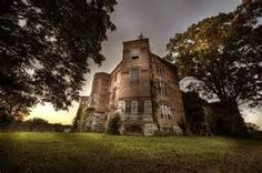 AbanDonEd psycHiatriC hOsPital ghost-towns-and-haunted-places-and-just-strange Abandoned Asylums, Abandoned Buildings, Abandoned Places, Tiffin Ohio, Psychiatric Hospital, Abandoned Hospital, Haunted Places, Haunted Houses, Time Stood Still