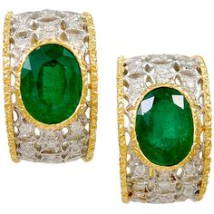 Preowned M. Buccellati Emerald Diamond Ear Clips (1,263,290 THB) ❤ liked on Polyvore featuring jewelry, earrings, green, green diamond earrings, emerald diamond jewelry, green earrings, emerald green earrings and emerald diamond earrings