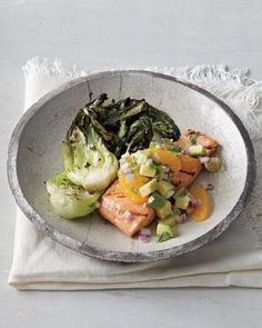 Grilled Salmon and Bok Choy with Orange-Avocado Salsa. dont really know what bok choy is but looks good? Salmon Recipes, Fish Recipes, Seafood Recipes, Healthy Recipes, Salmon And Bok Choy, Clean Eating, Healthy Eating, Healthy Life, Get Thin