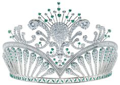 emerald and diamond tiara  (I wish this was a better picture!)