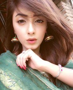 Dpzzz for girls. Pakistani Girl, Pakistani Actress, Stylish Girls Photos, Stylish Girl Pic, Cute Girl Face, Cute Girl Photo, Beautiful Girl Indian, Beautiful Girl Image, Beautiful Pictures