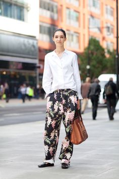 STREET STYLE SPRING 2013: LONDON FW - A relaxed take on floral dressing.
