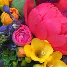 Doing what I do BEST!!!! #dvflora #prom #handtiedbouquet #peonies #freesia #ranunculus  #delphinium #hydrangea #poppypods #lisianthus #flowergirl #cantteachcolor #texture #pfop #floristofyourdreams by pocketfullofposiesflorist