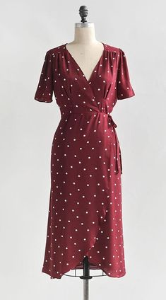 Vintage and Vintage Inspired Dresses / Feminine and Timeless Red Polka Dot Midi Dress / Sealed With A Kiss Dress Vintage Dresses, Vintage Outfits, Vintage Fashion, Classy Outfits, Pretty Outfits, Dot Dress, Dress Up, Fashion Corner, Moda Vintage