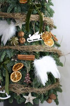 Brad natural construit – sau înălțime – Flowers of Soul Grapevine Wreath, Grape Vines, Wreaths, Nature, Flowers, Christmas, Home Decor, Corona, Xmas