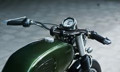 Cafe Racer Pasión — 100% Elegant. Kawasaki Estrella 250 Brat Cafe...