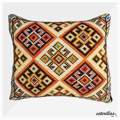 This post was discovered by Ha Bargello Patterns, Loom Patterns, Crochet Patterns, Wool Embroidery, Cross Stitch Embroidery, Embroidery Patterns, Crochet Pillow, Tapestry Crochet, Cross Stitch Designs