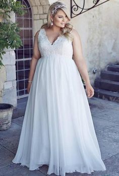Stunnng Plus Size Beach Wedding Dresses 2016 Chiffon Garden A Line V Neck Appliques Sweep Train Lace Up Back Lace Bridal Ball Gowns Online with $100.52/Piece on Hjklp88's Store