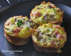 HAM AND EGGS BAKED IN CRISPY HASHBROWN CUPS    4 cups frozen shredded hashbrowns, thawed  1 cup shredded cheddar cheese  8 large eggs  1/2 cup milk  1 cup ham, diced  1/4 cup mushrooms, diced  1/4 cup onions, finely diced  1 tablespoon fresh parsley, finely chopped  salt and pepper