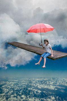 Vertige, de l'artiste Catherine Rondeau. Photomontage surréel inspiré des liens entre le monde imaginaire des enfants et l'univers des contes merveilleux.