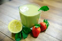 Kale Strawberry Banana Detox Smoothie-Top 8 Green Detox Smoothie Recipes For Weight Loss