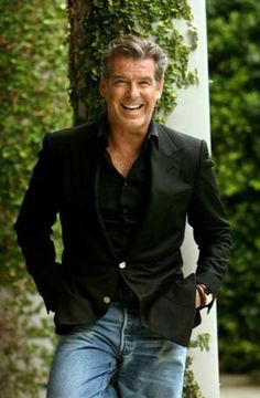 48 Superb Men Style Ideas With Blazer And Jeans is part of Pierce brosnan - When shopping for men's clothes, there are some items that will never go out of date; Stylish Men, Men Casual, Older Mens Fashion, Fashion Men, Fashion For Men Over 50, Fashion Ideas, Fashion Inspiration, Fashion Tips, Celebridades Fashion