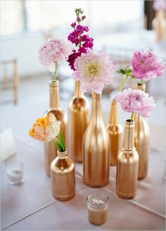 rosa blüten Hochzeiten dekoideen golden flaschen