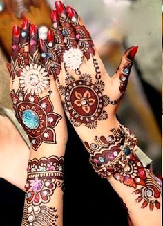 Bridal Mehndi Designs for Full Hands Step by Step.Wedding Mehndi Designs is a hot trend now days. There are many pictures Wedding Mehndi Designs for all ladies. Pakistani Mehndi Designs, Eid Mehndi Designs, Rajasthani Mehndi, Traditional Mehndi Designs, Latest Bridal Mehndi Designs, Mehndi Designs For Hands, Mehndi Images, Indian Mehendi, Hand Mehndi