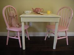 Kids' table and chairs re-do - :
