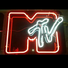 MTV Music Pics, Art Music, Cool Neon Signs, Neon Aesthetic, White Aesthetic, Advertising Quotes, Neon Words, Neon Design, Neon Nights